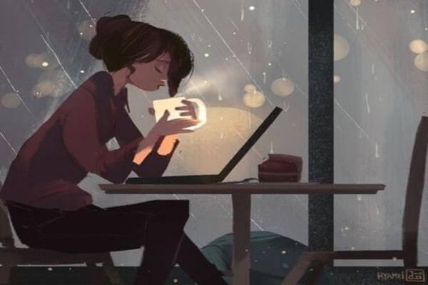 joven-bebiendo-cafe-por-la-noche